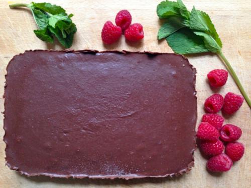 czekoladowy, orzechowy, cale ciasto